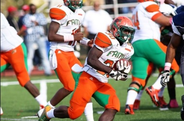Quarterback Royal Ready to  Lead Rattlers in Wood's Scheme