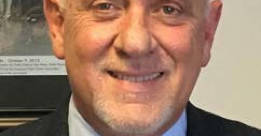 City commission appoints Rick Fernandez new city manager