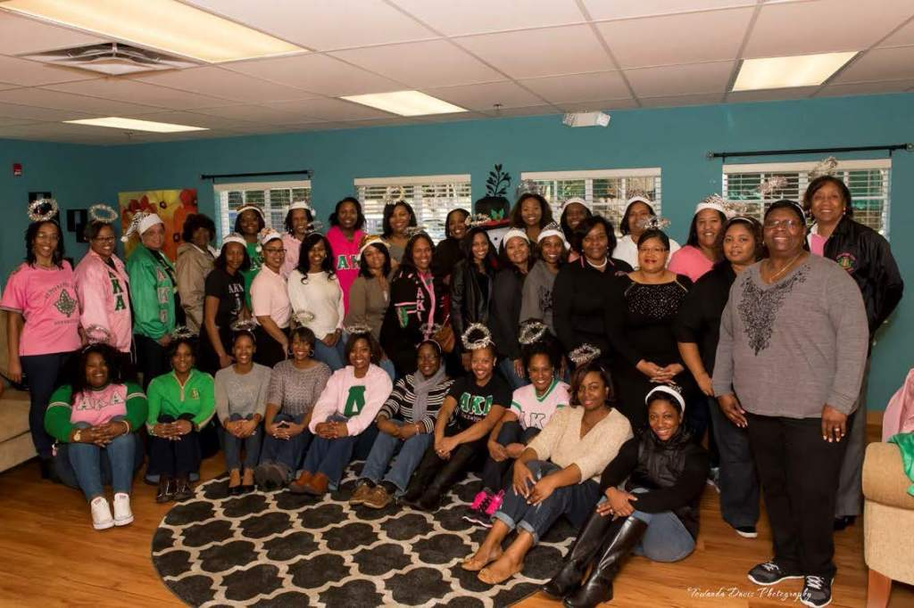 Members of Chi Upsilon Omega Chapter of Alpha Kappa Alpha Sorority, Inc. showed up in great numbers to Miracle Village for Santas for Seniors.  Photo  by Towanda Davis