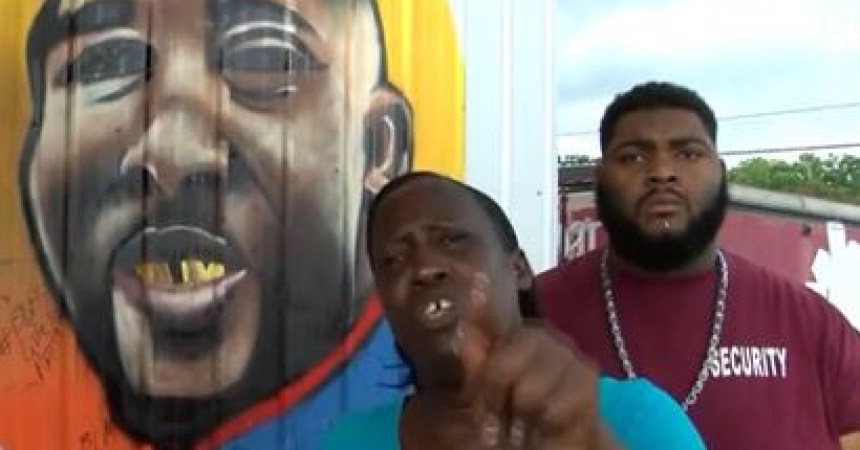 'Stop this killing!' aunt of Alton Sterling pleads after three more police killed in Baton Rouge