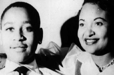 Gunmen shoot up sign marking place where Emmett Till's body was found