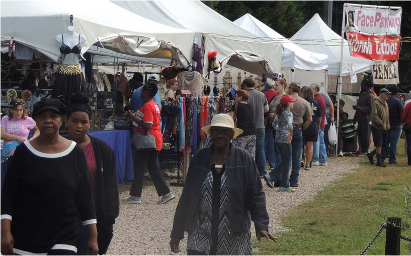Attendees enjoyed sights of the souvenirs. Photos  by Lavonte Dukes
