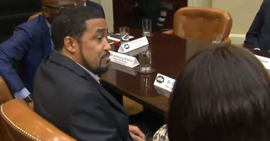 Black pastor delivers 'fake news' at Trump White House Black History Month meeting