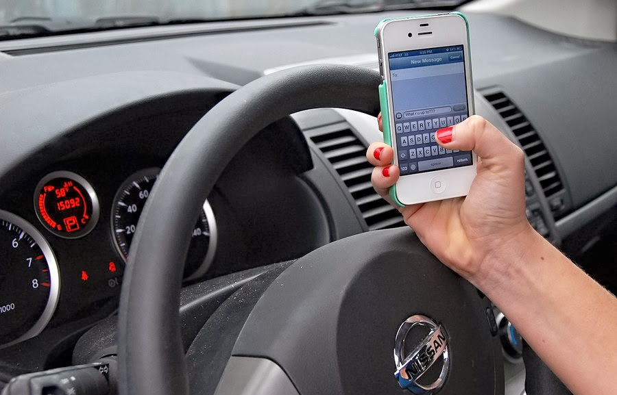 texting and driving vs drinking and driving essay