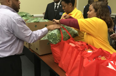 J.R.E. Lee, Sr. Lodge #422, True Destiny Chapter #84, and Piggly Wiggly stores feed 30 families for Thanksgiving