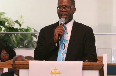 Sheppard shows shades of his dad as pastor