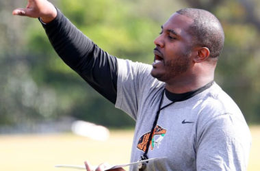 Simmons wants Rattlers to 'trust the process'