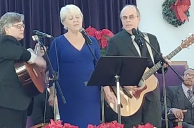 Friends, family pay musical tribute to Steele