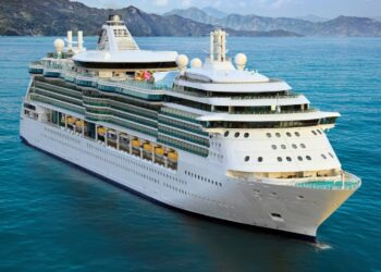 Appeals court reverses course on cruise restrictions