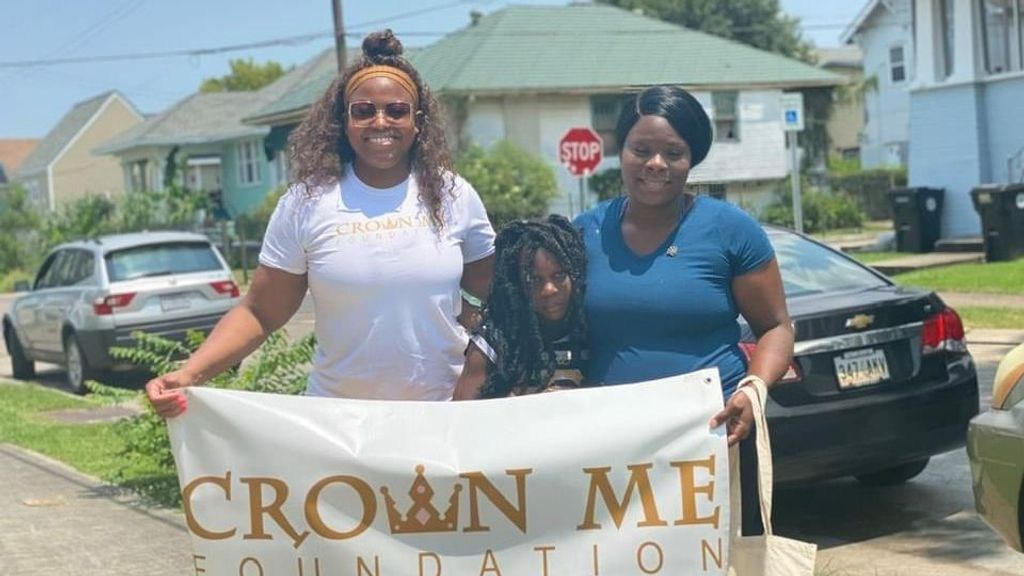 Crown Me Foundation Founder Danyel Nicole Black, left, with recently crowned foundation member Katia Holmes, right, and her daughter, Kera Hayes. (Courtesy of Danyel Nicole Black)